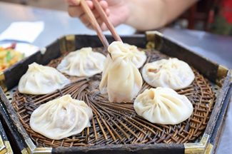 Jiaozi soup dumplings in Xian's Muslim Quarter